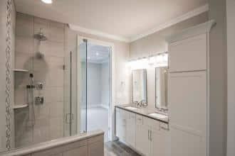 Malbec Owners Bath 2-4200