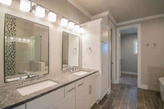 Malbec Owners Bath 3-4200